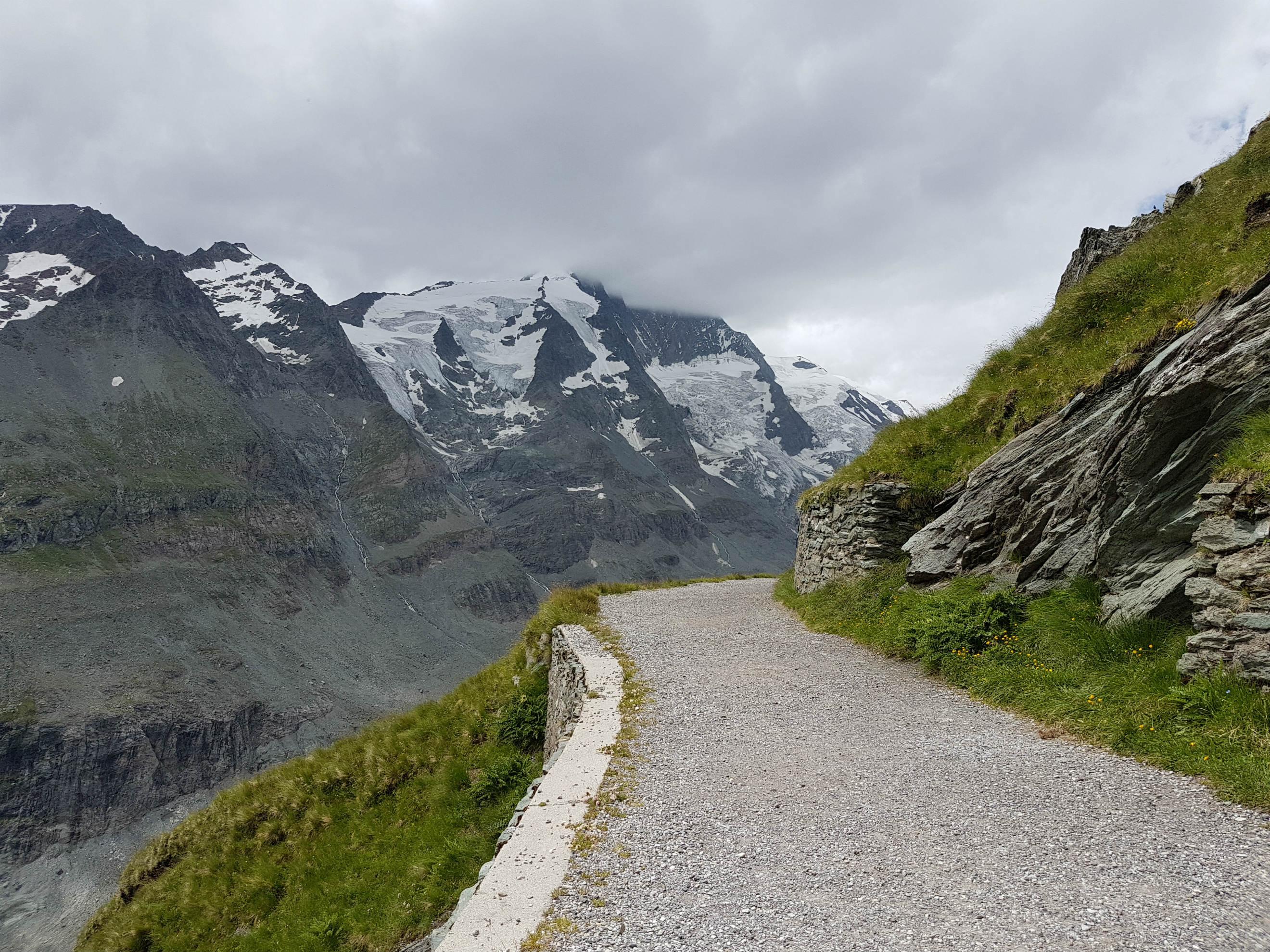 grossglockner-horsky-priesmyk-cesta-rakúsko
