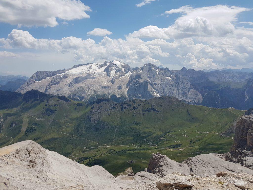 vrchol-kopca-piz-boe-dolomity