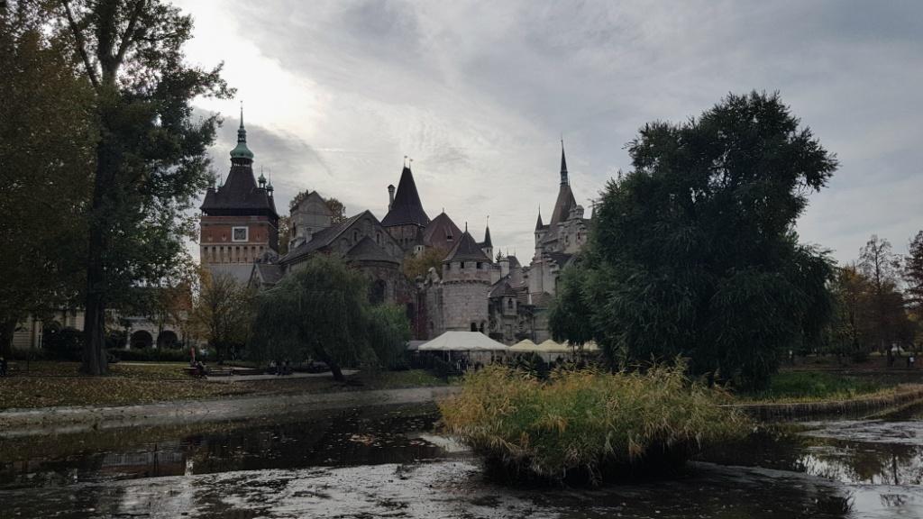 zamok-vajdahunyad-budapest