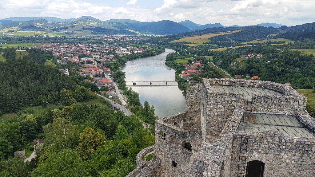 hrad-strecno-obranny-bastion