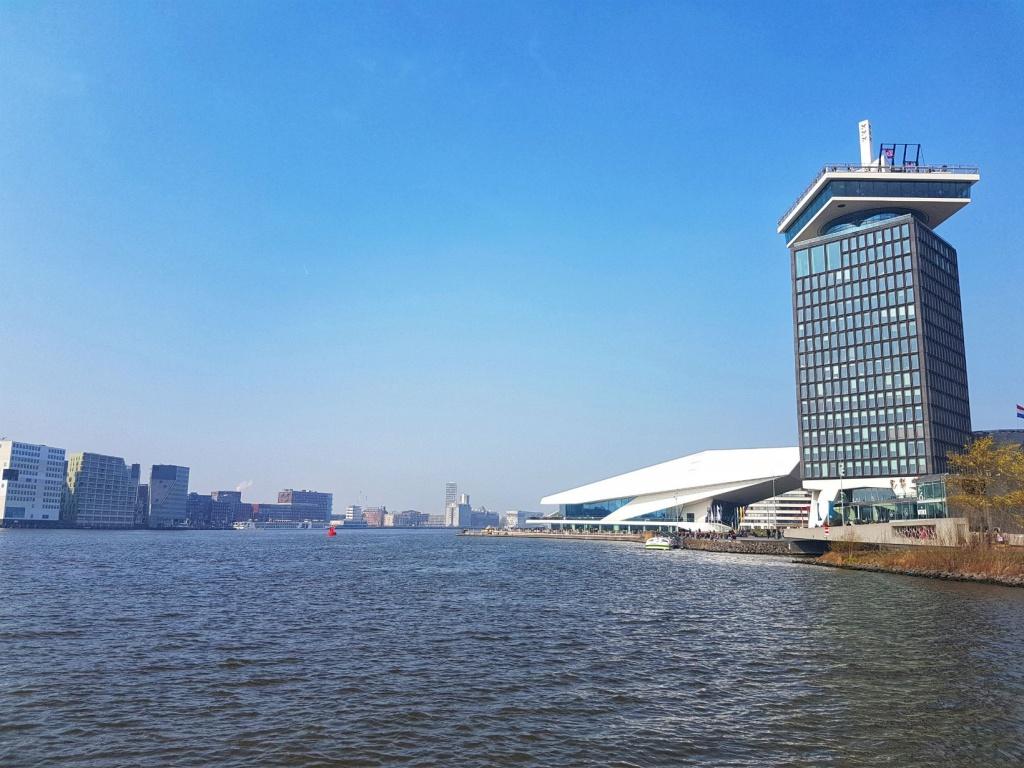 kanal-v-amsterdame