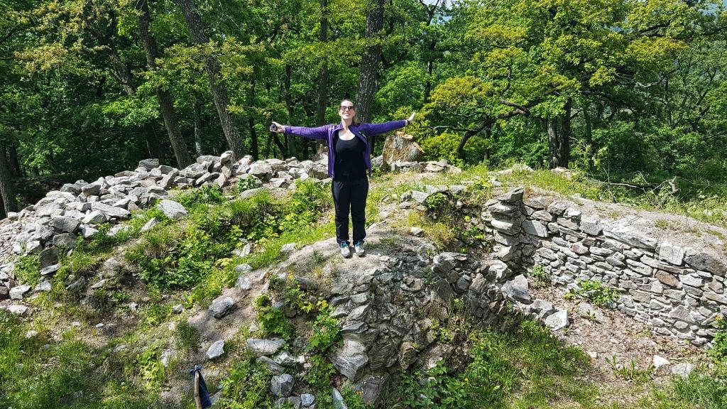 cierny-hrad-v-pohori-tribec
