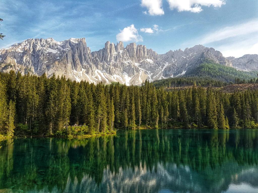 lago-di-carezza-talianske-dolomity