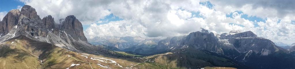 panorama-udolia-val-gardena