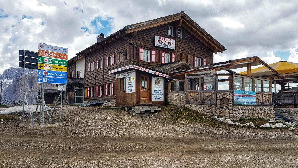 rifugio-des-alpes-col-rodella