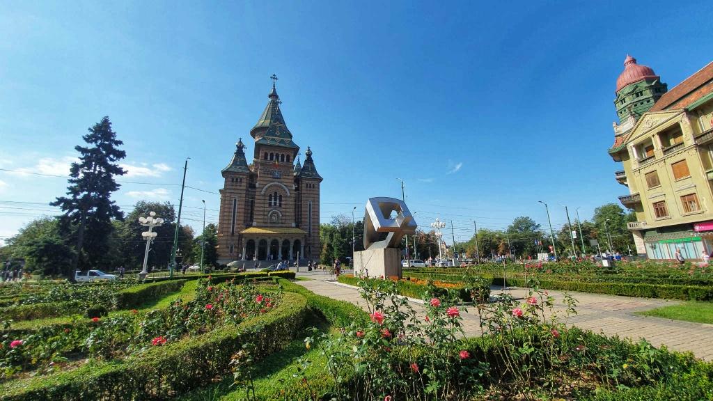 pravoslavna-katedrala-a-pamatnik-revolucie-timisoara