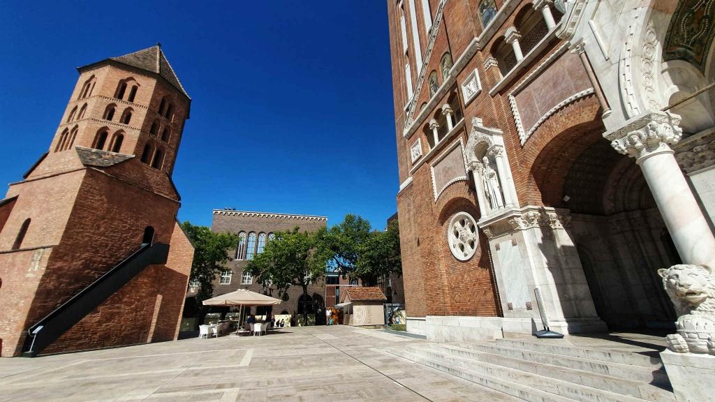 katedrala-szeged-a-kniznica