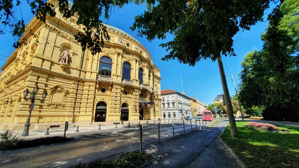 narodne-divadlo-szeged