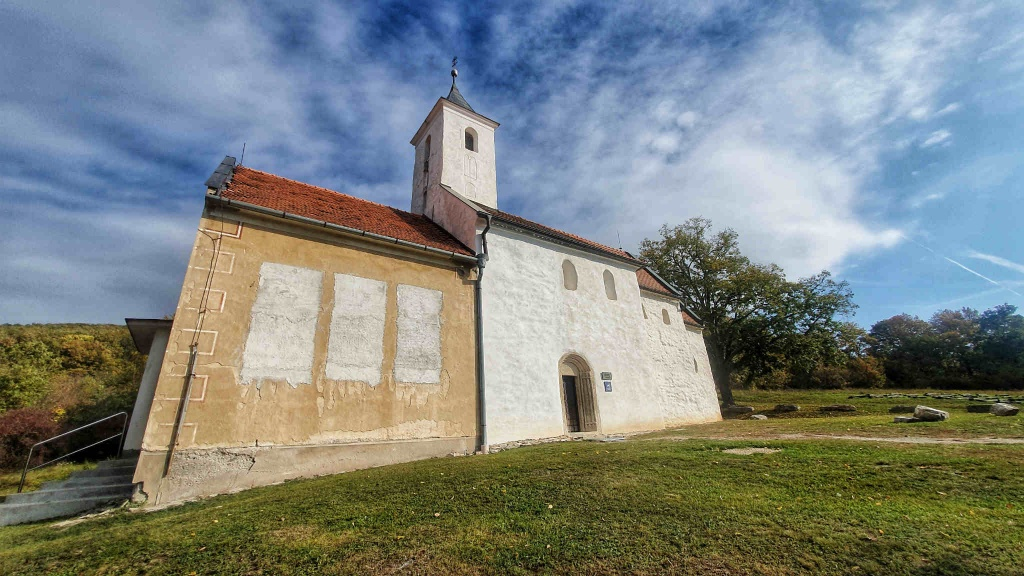 kostol-sv-jakuba-kostolany-pod-tribecom