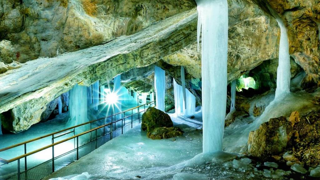 demanovska-ladova-jaskyna